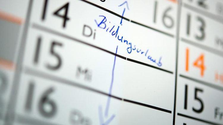 Auf einem Kalender ist der Schriftzug