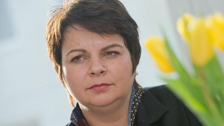 Sozialministerin Stefanie Drese (SPD) während einer Pressekonferenz. Foto: Stefan Sauer/Archivbild