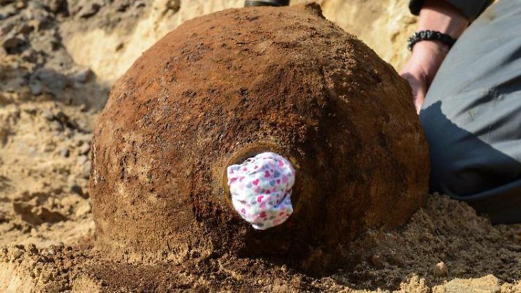 Blick auf eine entschärfte Weltkriegsbombe. Foto: Julian Stähle/Archivbild