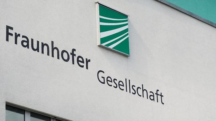 Eine Niederlassung der Fraunhofer Gesellschaft in Dresden. Foto: Arno Burgi/Archivbild