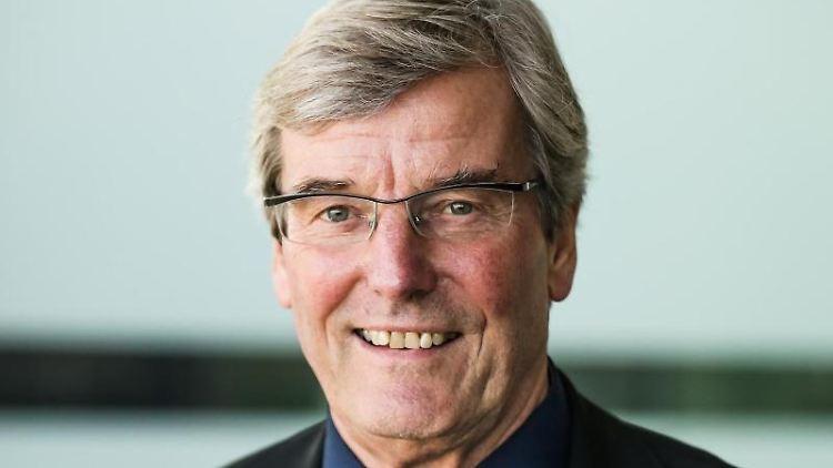 Thomas Bopp (CDU), Vorsitzender des Verbands Region Stuttgart, lächelt in die Kamera. Foto: Christoph Schmidt