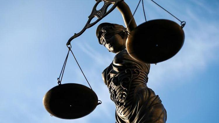 Eine Statue der Justitia.Foto: David-Wolfgang Ebener/Archivbild