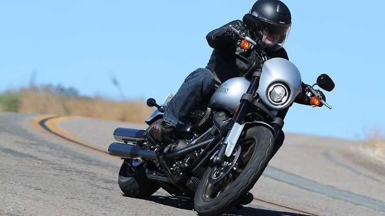 Harley_Davidson_Low_Rider_S_1.jpg