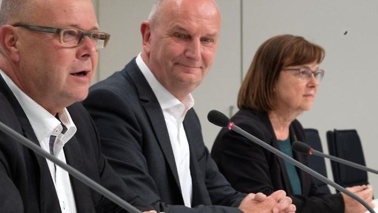 Stübgen, Brandenburg-CDU-Chef, Woidke, Brandenburgs SPD-Vorsitzender, und Nonnemacher, Grünen-Fraktionsvorsitzende. Foto: Soeren Stache