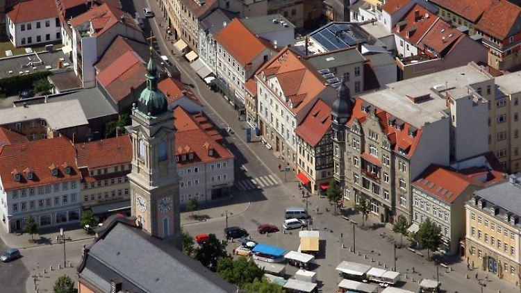 Blick auf die Innenstadt von Eisenach mit der Georgenkirche. Foto: Jan-Peter Kasper/Archivbild