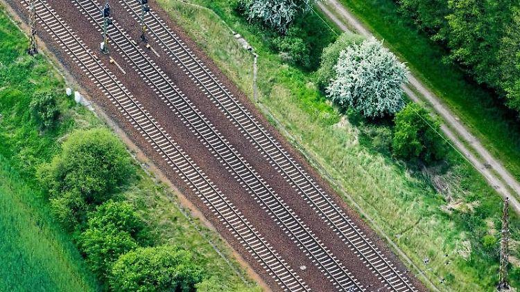 Bahngleise nahe Briesen. Foto: Patrick Pleul/Archivbild