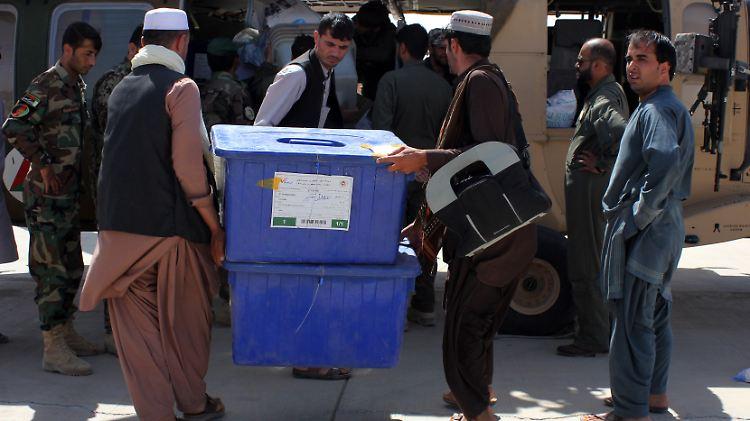 Geringe Wahlbeteiligung bei Präsidentenwahl in Afghanistan | Politik