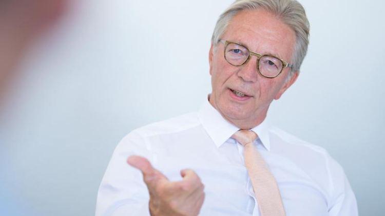 Roger Kehle spricht bei einem Interview im Landesbüro der Deutschen Presse-Agentur. Foto: Sebastian Gollnow/dpa