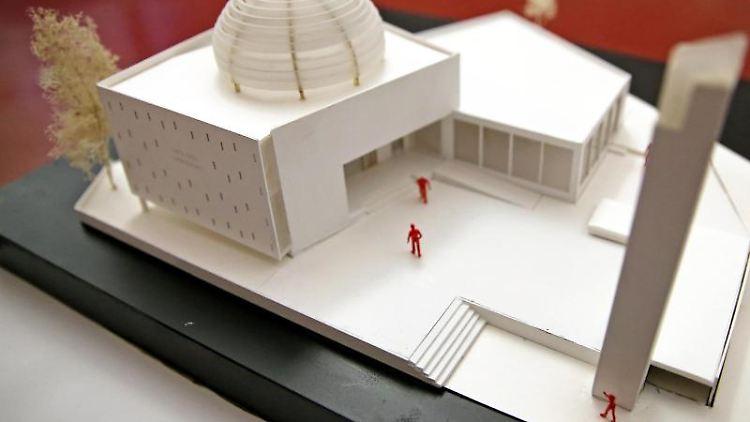 Der Siegerentwurf für den Moschee-Neubau in Leipzig-Gohlis. Foto: Jan Woitas/dpa-Zentralbild/dpa