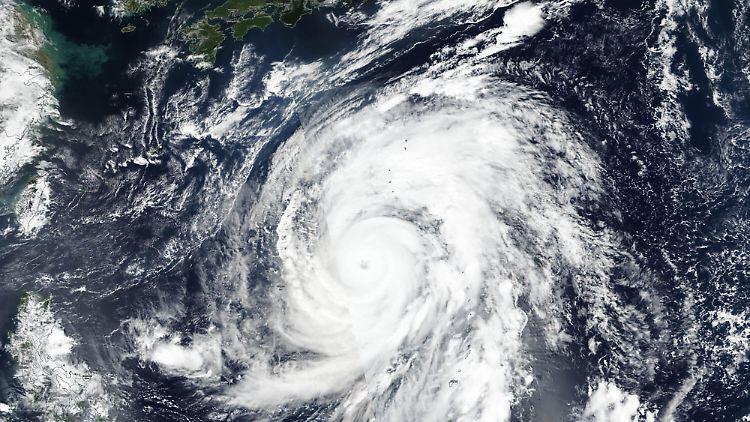Qualifikation am Samstag abgesagt: Taifun wirbelt Zeitplan der Formel 1 durcheinander