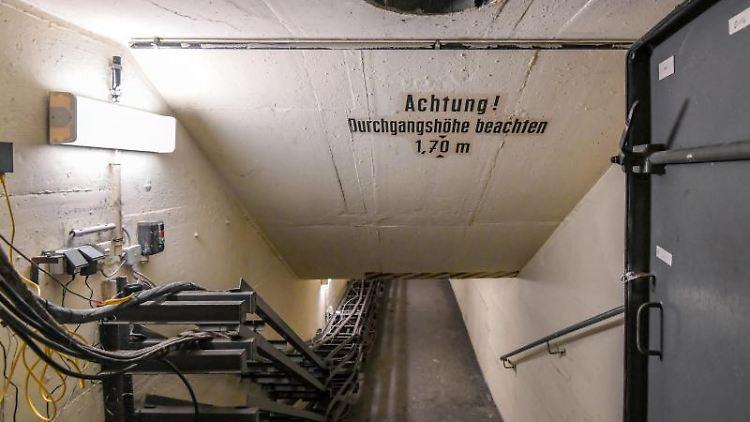 Der Eingang zum ehemaligen Fernmeldebunker des DDR-Postministeriums. Foto: Patrick Pleul/dpa-Zentralbild/ZB