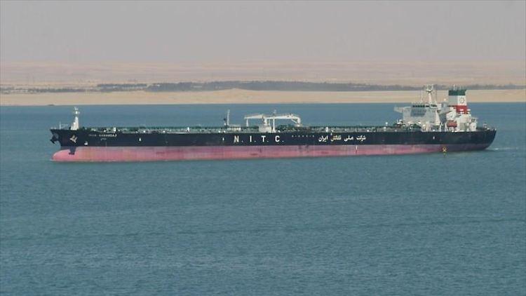 Iranischer Öltanker laut Teheran von Raketen getroffen