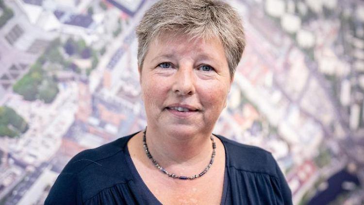 Katrin Lompscher (Linke), Berliner Senatorin für Stadtentwicklung und Wohnen. Foto: Kay Nietfeld/dpa/Archivbild