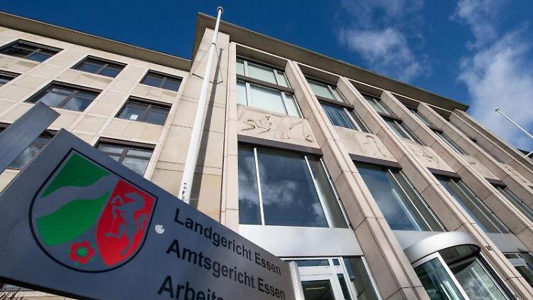 Das Gebäude des LandgerichtsEssen. Foto: Bernd Thissen/dpa/Archivbild