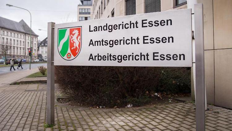 Das Land-, Amts- und Arbeitsgericht in Essen. Foto: Maja Hitij/dpa/Archivbild