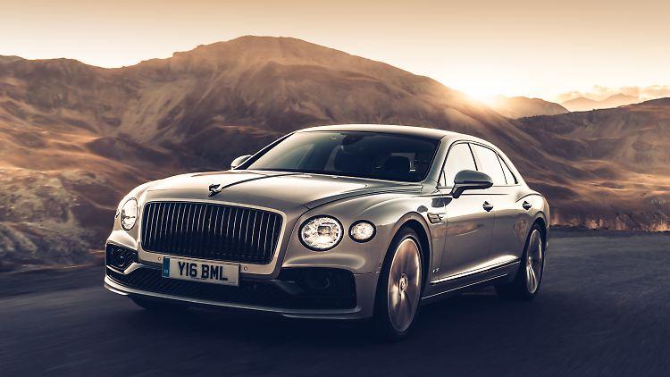 Bentley_Flying_Spur_MY2020_1.jpg