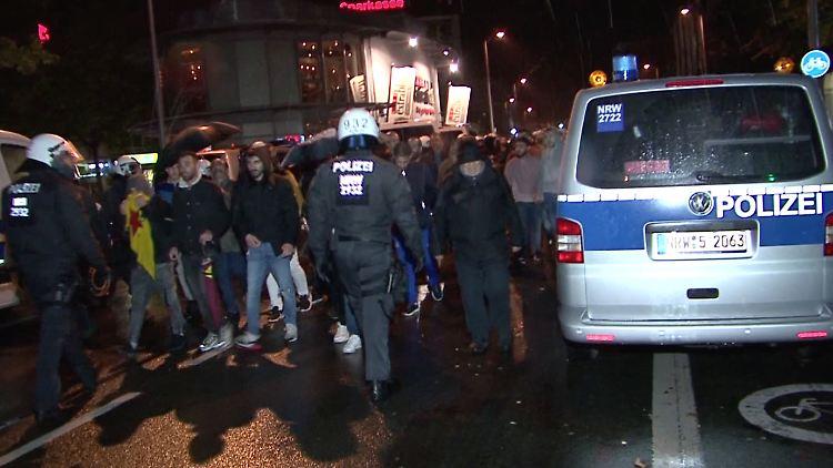 Bei der Demonstration in Bottrop kam es zu massiven Auseinandersetzungen.
