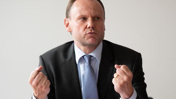 Andy Grote (SPD), Innensenator von Hamburg. Foto: Daniel Reinhardt/dpa/Archivbild