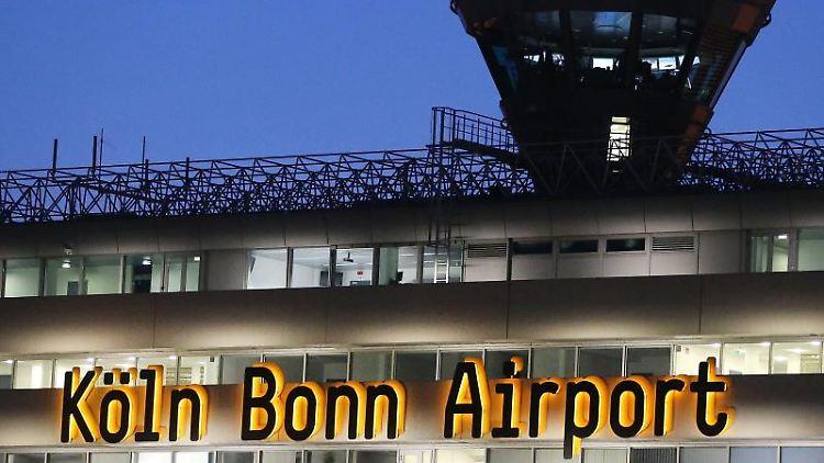 Der Flughafen Köln-Bonn. Foto: Oliver Berg/dpa/Archivbild