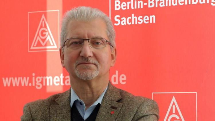 Olivier Höbel, IG Metall Bezirksleiter Berlin-Brandenburg-Sachsen. Foto: Wolfgang Kumm/dpa
