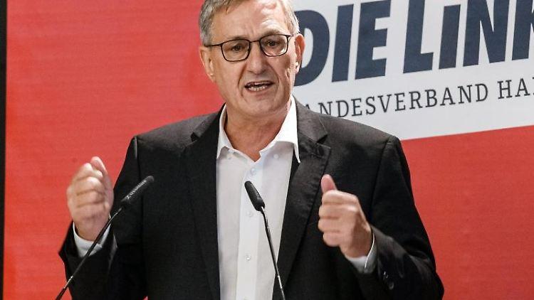 Bernd Riexinger, Parteivorsitzender Die Linke, auf dem Parteitag des Hamburger Landesverbands. Foto: Markus Scholz/dpa