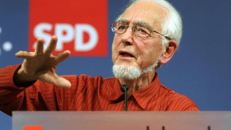 Erhard Eppler, ehemaliger SPD-Landesvorsitzender in Baden-Württemberg, ist tot. Foto: Uli Deck/dpa/Archivbild