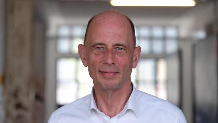 Wolfgang Tiefensee, Wirtschaftsminister Thüringens. Foto: Sebastian Willnow/zb/dpa/Archivbild