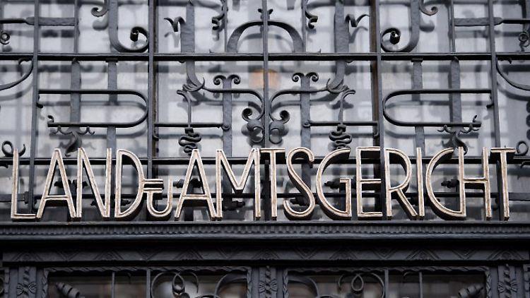 Der Schriftzug Land- und Amtsgericht am Justizzentrum Aachen. Foto: Marius Becker/dpa