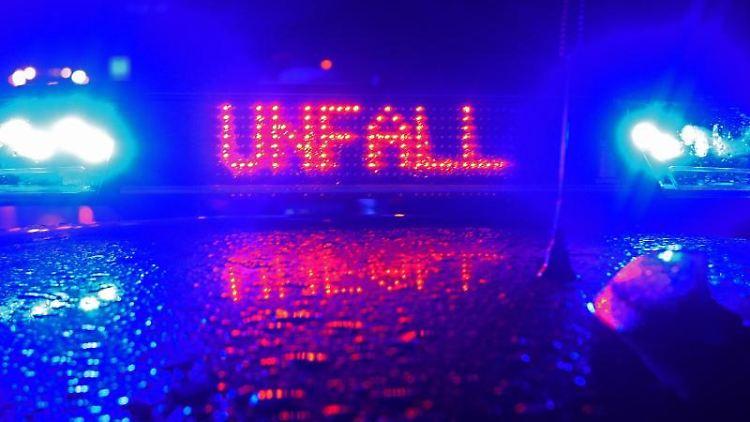 Blaulicht und der LED-Schriftzug