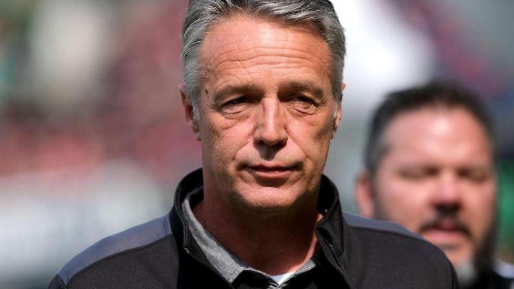 Bielefelds Trainer Uwe Neuhaus. Foto: Peter Steffen/dpa/Archivbild