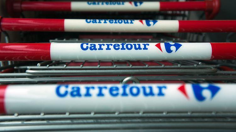 Problem solved: Supermarktkette Carrefour sorgt mit 'Frauenmord' T-Shirt für Empörung