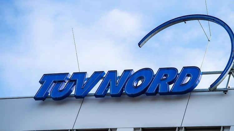 Der Hauptsitz des Unternehmens TÜV Nord. Foto: Christophe Gateau/dpa