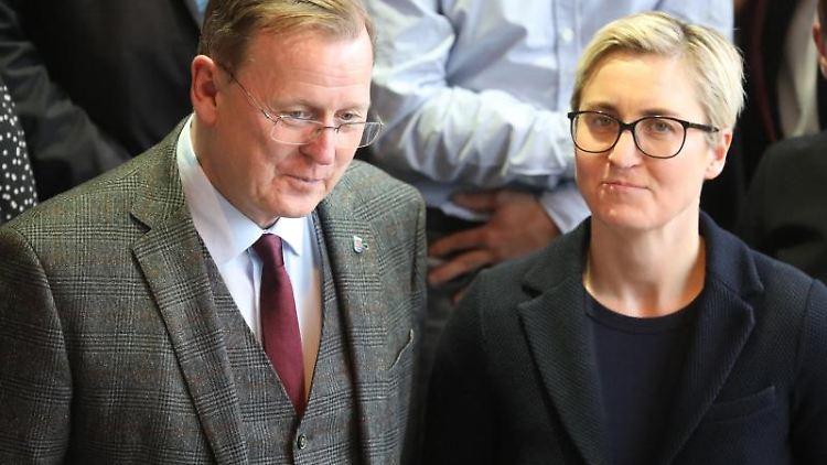 Bodo Ramelow, Die Linke, Ministerpräsident von Thüringen und die Fraktionsvorsitzende Susanne Hennig-Wellsow. Foto: Bodo Schackow/dpa-Zentralbild/dpa