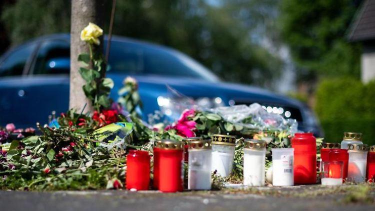 Unfallstelle, an der unbeteiligte Frau bei mutmaßlichem Autorennen verletzt und später gestorben ist. Foto: Marius Becker/dpa/Archivbild