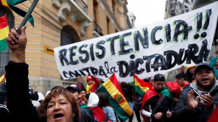 Demonstranten besetzen Zentralen von Staatssendern in Bolivien