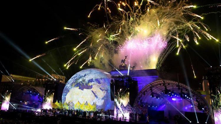 Feuerwerk zum Abschluss der Feier zur Festivalwoche