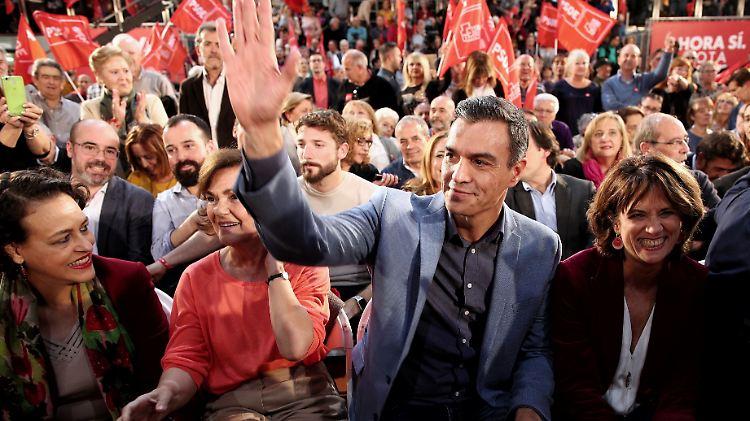 Sánchez Partei PSOE gewinnt zwar die Wahl verpasst aber die absolute Mehrheit