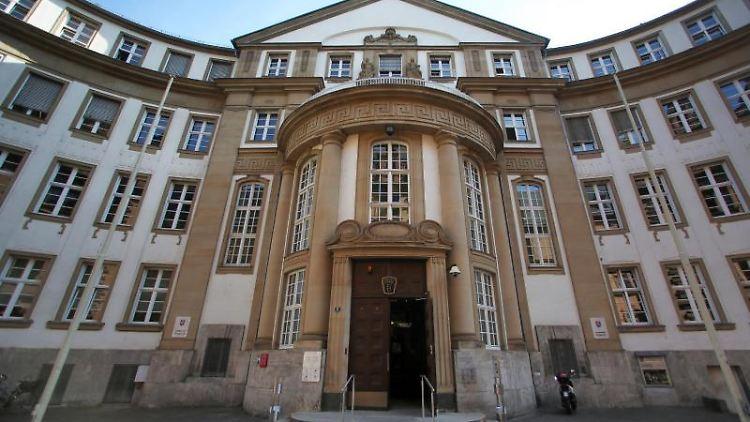 Das Landgericht und Amtsgericht in Frankfurt amn Main. Foto: Fredrik von Erichsen/dpa/Archivbild