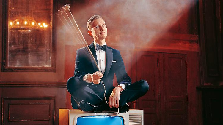 Max Raabe - MTV Unplugged - CMS Source.jpg
