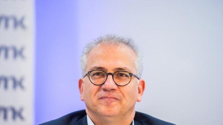Der hessische Wirtschaftsminister Tarek Al-Wazir. Foto: Andreas Arnold/dpa/Archivbild