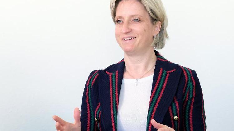 Wirtschaftsministerin Nicole Hoffmeister-Kraut. Foto: Bernd Weissbrod/dpa/Archivbild