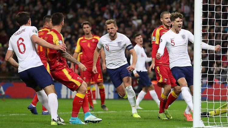 Auch Frankreich Qualifiziert England Sturmt In Die Em