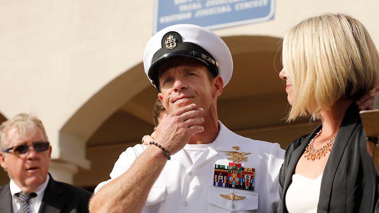 USA - Trump begnadigt wegen Kriegsverbrechen beschuldigte Militärs