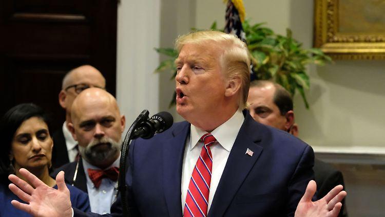 Parlament: Neue Zeugenaussagen bringen Trump in Erklärungsnot
