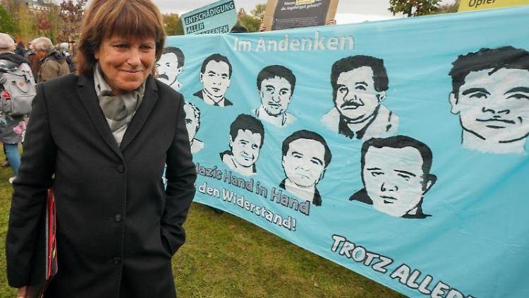 Oberbürgermeisterin von Zwickau, Pia Findeiß (SPD), auf der Gedenkveranstaltung für Opfer des NSU. Foto: Peter Endig/zb/dpa/Archivbild