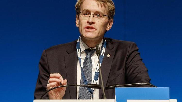 Daniel Günther (CDU), Ministerpräsident von Schleswig-Holstein, spricht auf einem LAndesparteitag. Foto: Markus Scholz/dpa