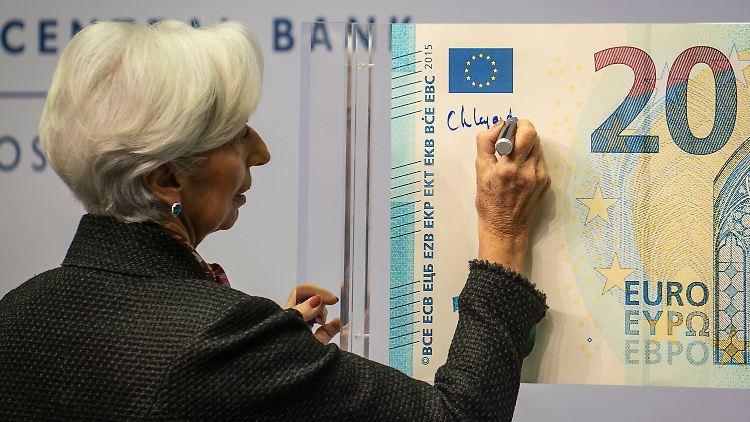 Neuer 20-Euro-Schein mit Lagardes Unterschrift