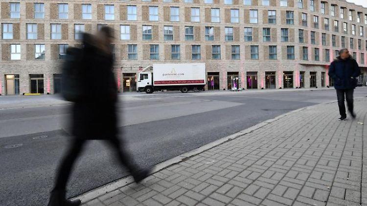 Neues Hotel am Erfurter Hauptbahnhof. Foto: Martin Schutt/dpa-Zentralbild/dpa