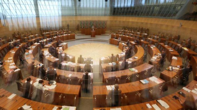 Der Plenarsaal des nordrhein-westfälischen Landtags. Foto: Ina Fassbender/dpa