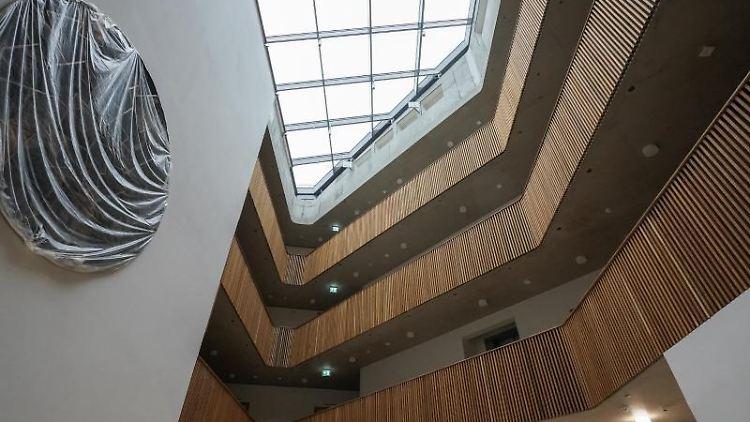 Innenbereich des Neubaus des Erweiterungsbaus am Hauptsitz des Umweltbundesamtes in Dessau-Roßlau. Foto: Peter Endig/zb/dpa